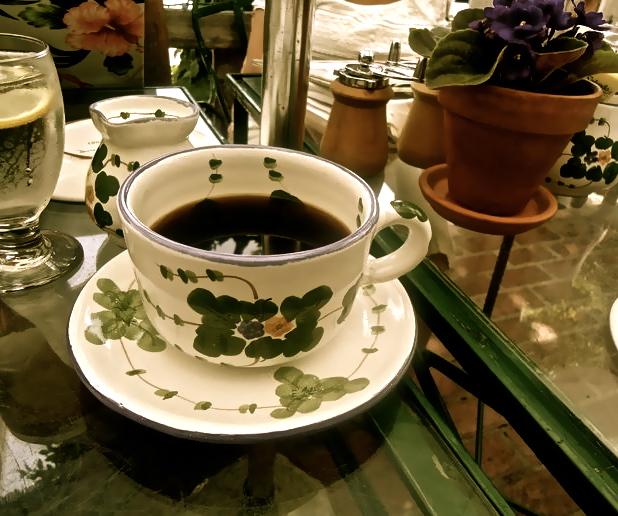 The Ivy mugs in LA. How cute are they!?